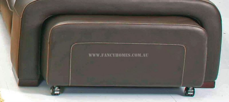 Removable footstools of Fancy Homes corner leather sofa can be put under the armrests
