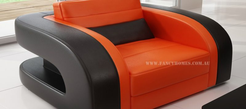 The single seater of Fancy Homes Stream chaise leather sofa