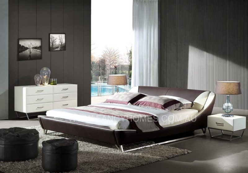 Leather bed in brown and white